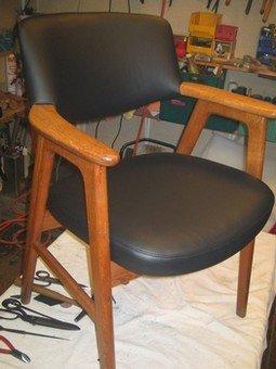 Teak-stolCa. 1960 med sort læder.Sådan...